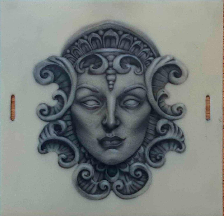 Statue-visage-pratique-tatouage-CTA-